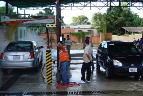 GT1000 Touchless Car Wash in Venezuela South America